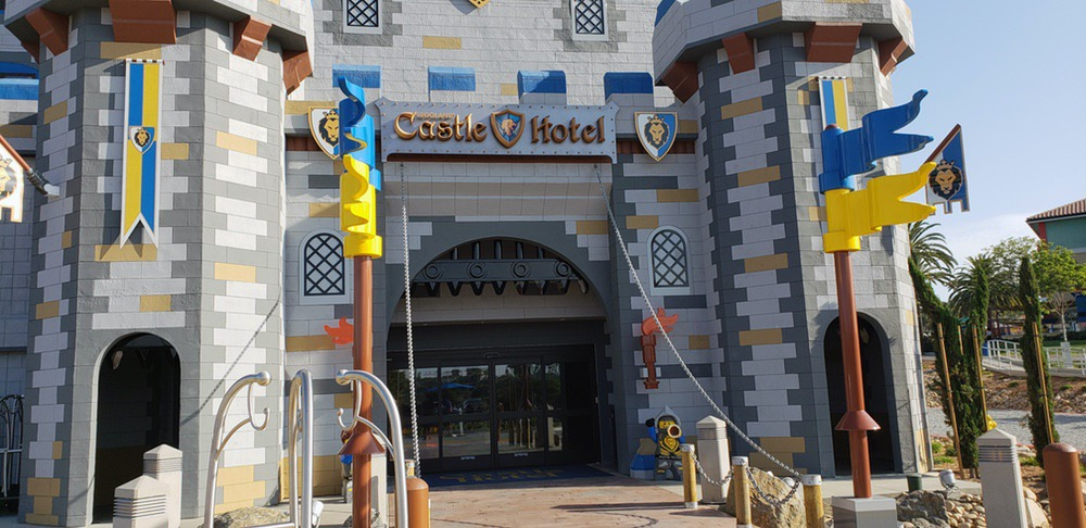 Castle Hotel entry (3)